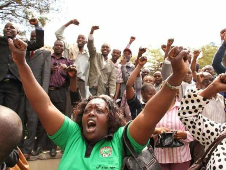 Government to Implement Teachers' Pay Deal in July