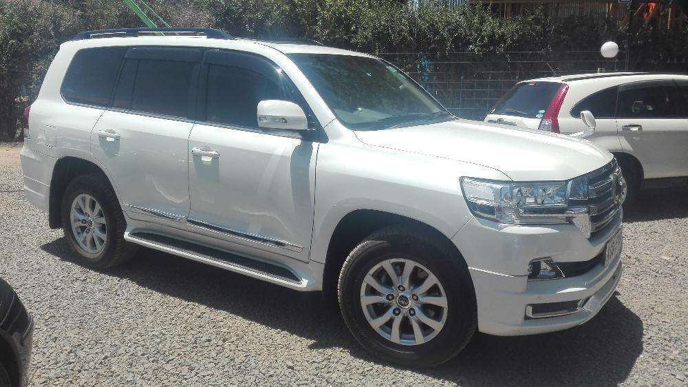 Toyota Land Cruiser V8 Full Review • Urban Kenyans