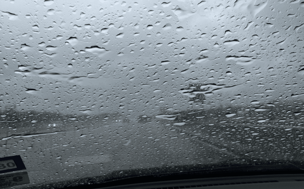 Signs That You Need New Windshield Wipers