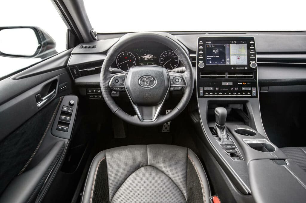 Toyota Avalon Review: Time to Crown a New King