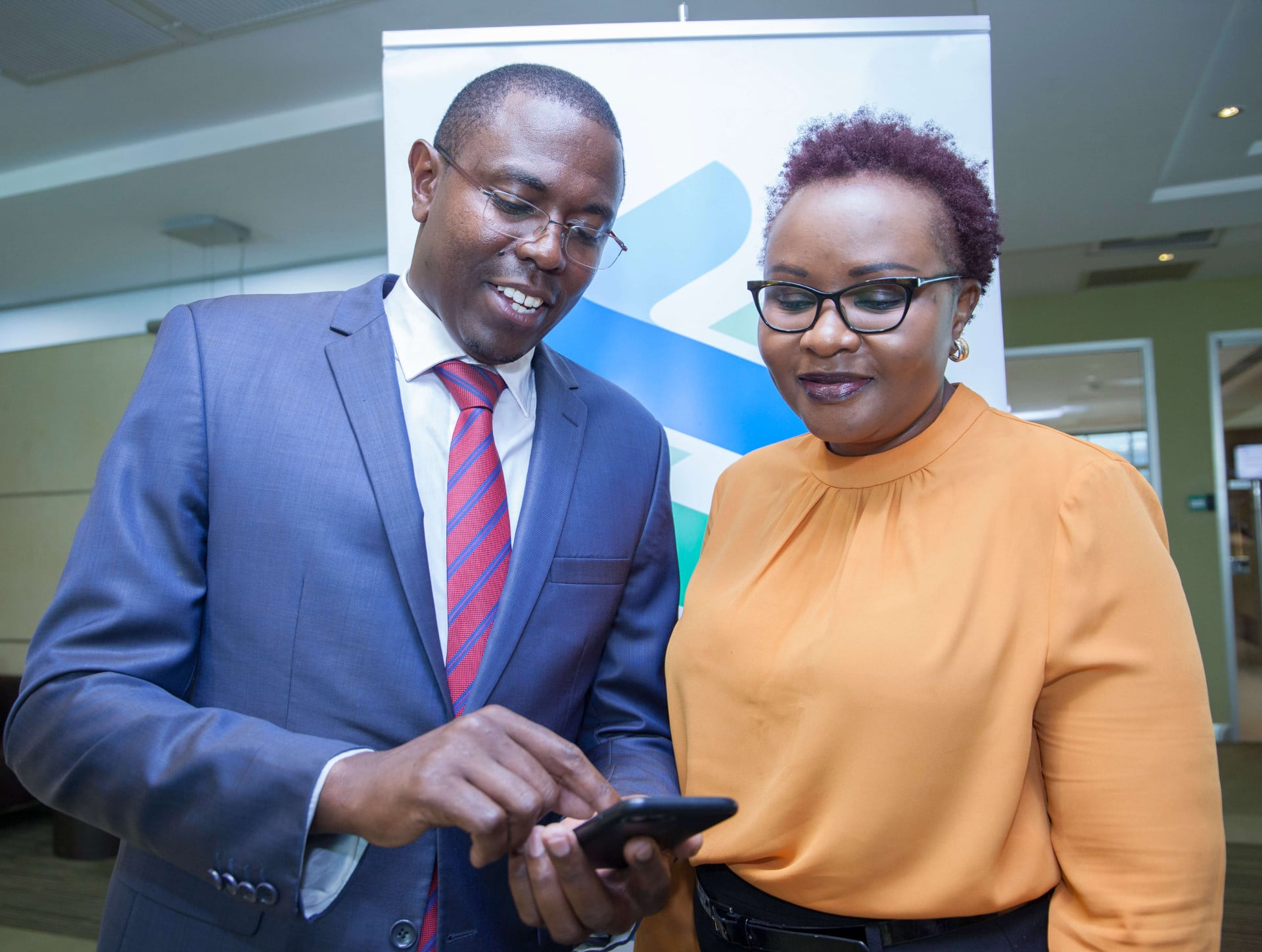Standard Chartered Bank launches mobile traded bond